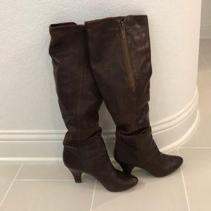 Frye Dannika Piping ZIP Boot Size 9.5 Hardly Worn